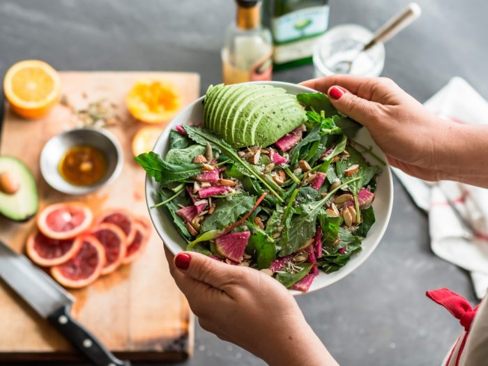 Здоровое питание улучшает работу кишечника и снижает риск проктологических заболеваний