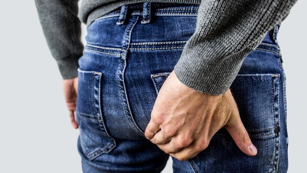 Почему возникает жжение в заднем проходе у мужчин?