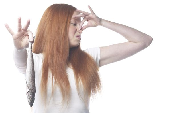 Что может означать неприятный запах от женских выделений