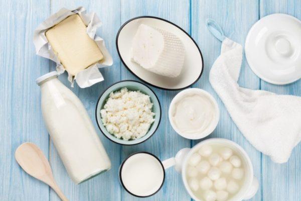 Можно ли при гастрите пить молоко