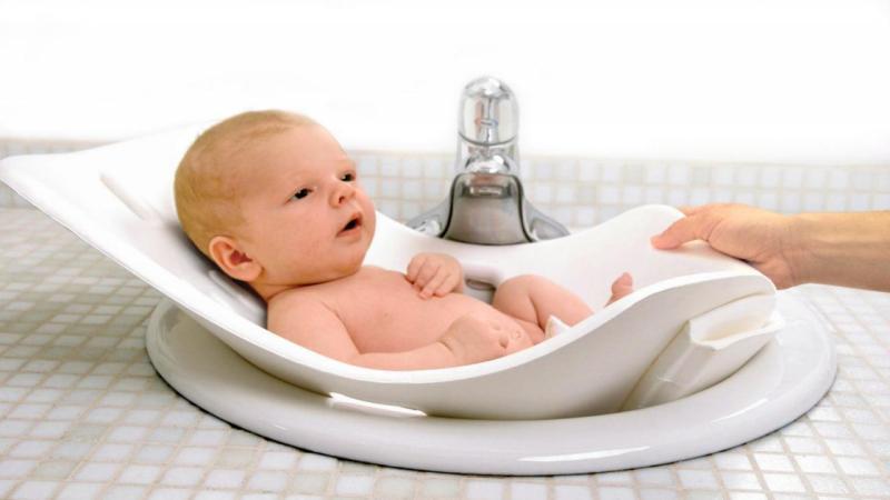 Покраснение вокруг ануса у ребенка: причины и лечение