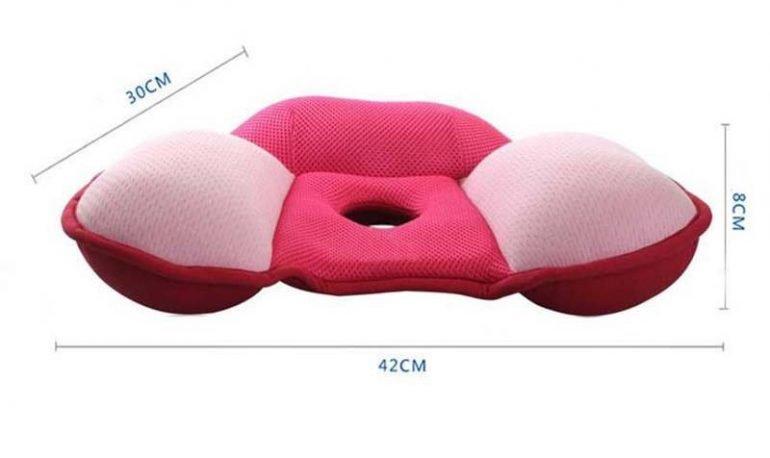 Чем полезна и как использовать ортопедическую подушку от геморроя? 4 важных параметра для выбора и 5 советов по использованию подушки