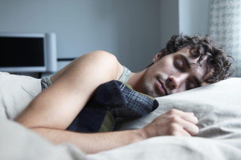 Как лучше спать при геморрое? 5 полезных советов и правил и 3 запрещенные позы для сна