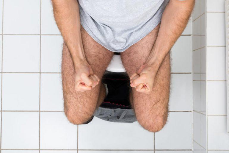 Как правильно ходить в туалет при геморрое? 10 общих рекомендаций и важные советы