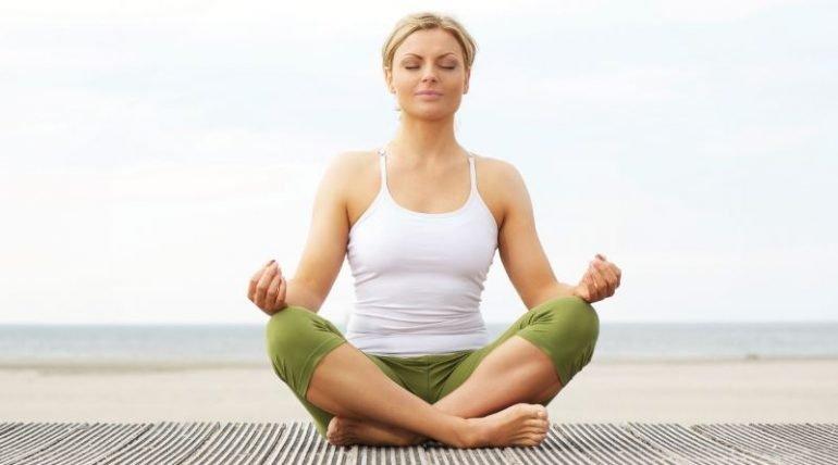 Какие мудры помогают избавиться от геморроя? 3 лучших мудры и техника их исполнения