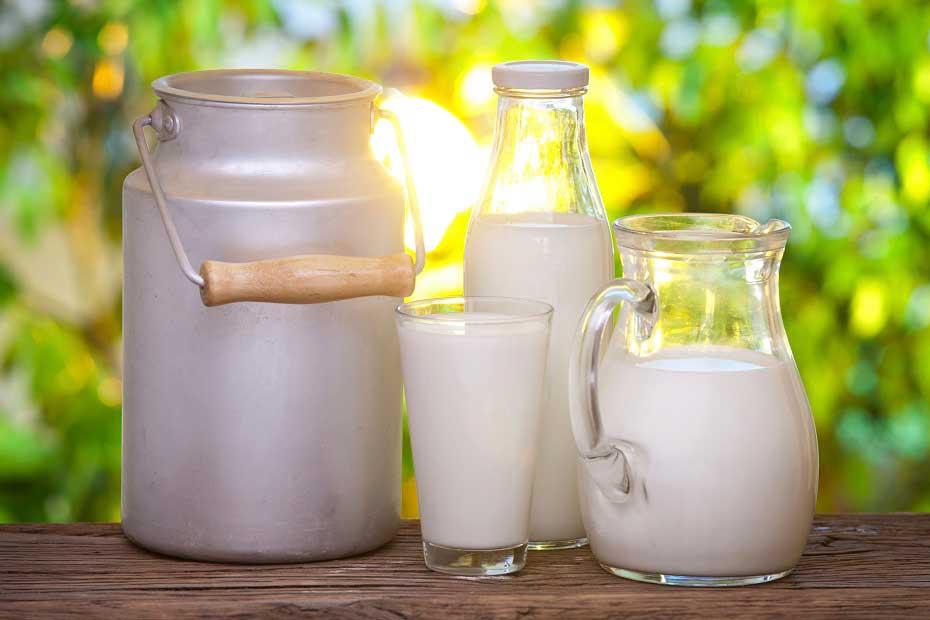 Молоко от изжоги: помогает ли?