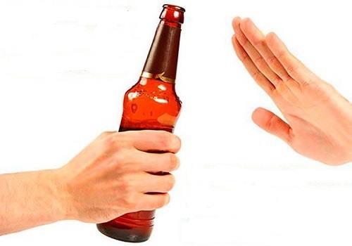Можно ли пить алкоголь при геморрое: какие напитки допустимы при заболевании?