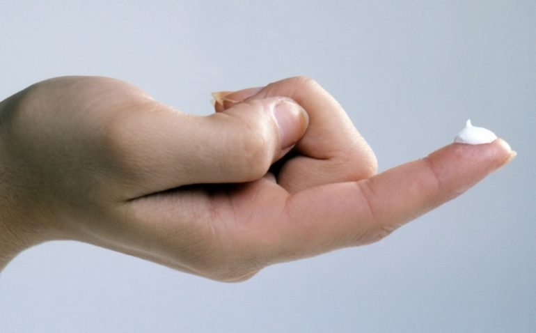 Насколько эффективно серная мазь избавляет от симптомов геморроя? 4  фармацевтических действия средства