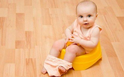Почему может быть желтый понос у ребенка и что делать