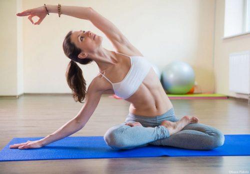 Помогает ли йога при геморрое и какие асаны следует выполнять