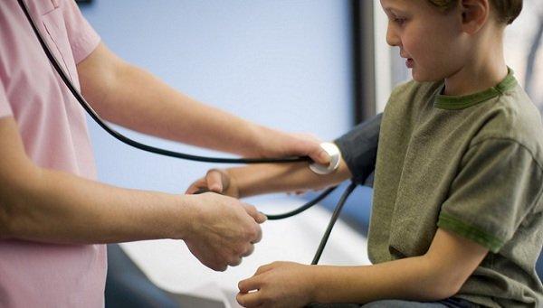 Тонометр для измерения давления ребенку: виды и рекомендации