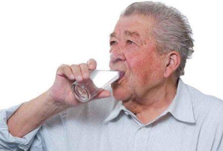Что делать при запорах у пожилых людей?