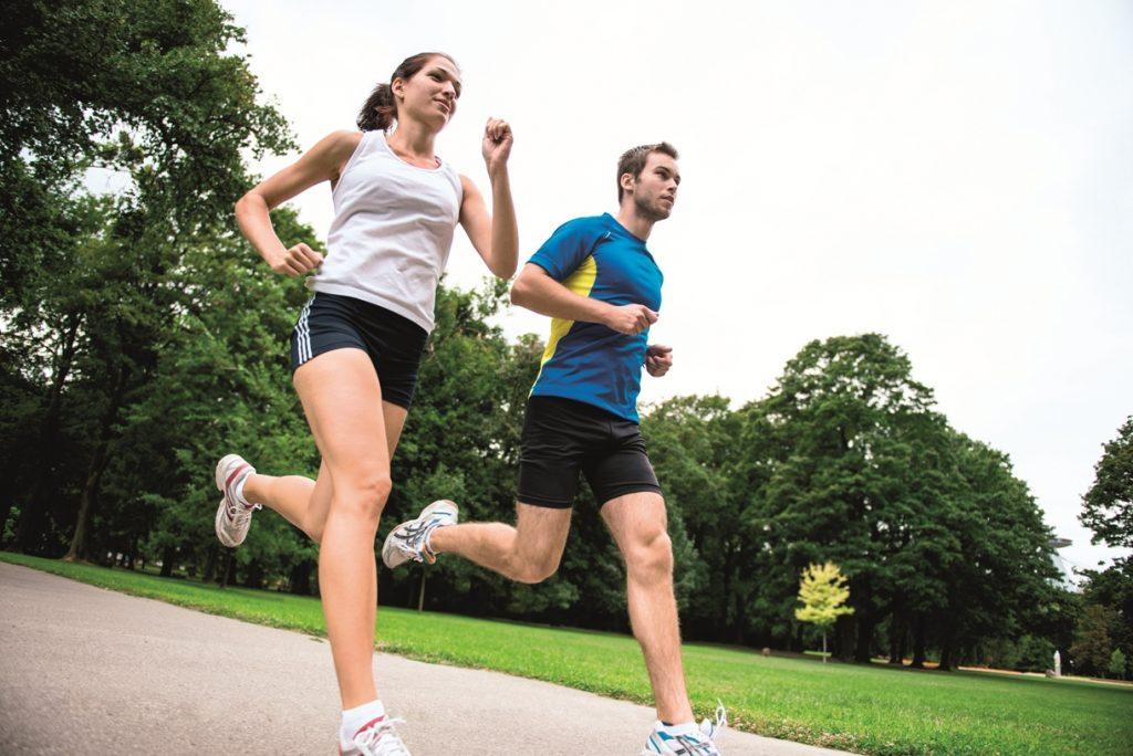 Что полезнее – бегать или крутить педали?