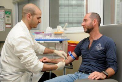 Для чего сдают анализ крови на общий ПСА при простатите и какова норма уровня этого белка в результатах? ЛечениеБолезней.com