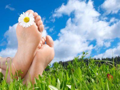 Как избежать летом отёков и мозолей на ногах ЛечениеБолезней.com