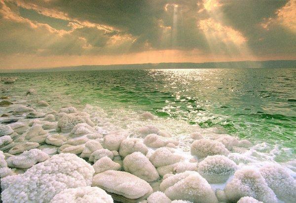 Как правильно лечить солью псориаз? Лечение на мертвом море, применение морской соли и других минералов для приготовления ванн ЛечениеБолезней.com