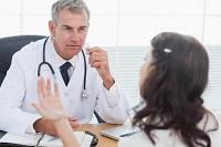 Какие первые симптомы указывают на рак прямой кишки