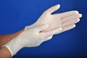 Медицинские перчатки окажутся под запретом?