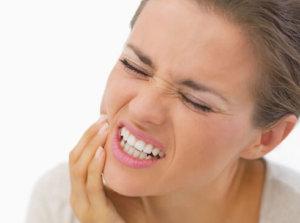 Болит десна возле зуба мудрости, что делать: лечение десен и зуба