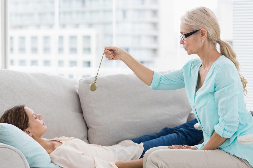 Гипноз от курения: есть ли у процедуры противопоказания?