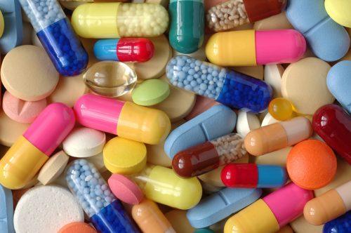 Какие недорогие и эффективные таблетки можно пить от геморроя