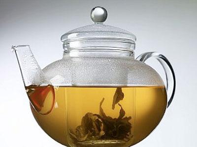 Крепкий чай при поносе: можно ли пить, помогает ли