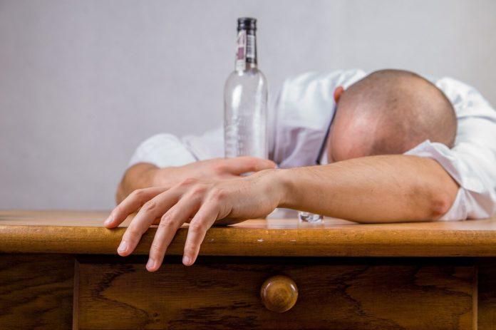 Топ средств от алкоголизма, которые можно давать без ведома больного
