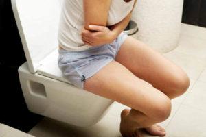 Желтыйпоносу взрослого человека: что это означает, причины и методы лечения