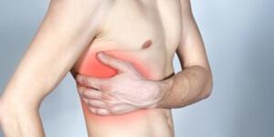 20 причин, почему появляется колющая боль в левом боку под ребрами