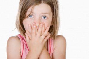 Икота целый день у взрослого или ребенка: что делать?