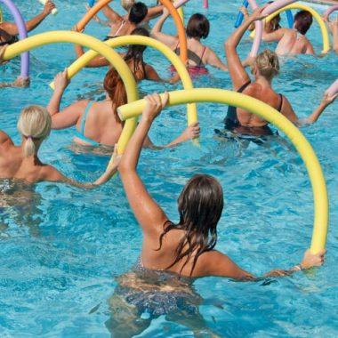 Плавание при геморрое: польза занятий, правила посещения бассейна