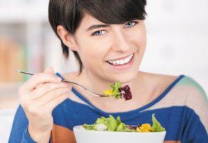 Возможные причины и особенности лечения отрыжки кислым после еды