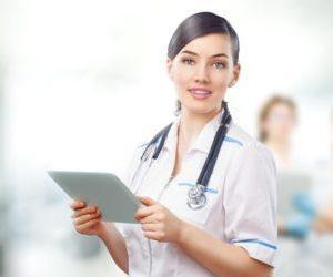 Какой врач лечит запоры