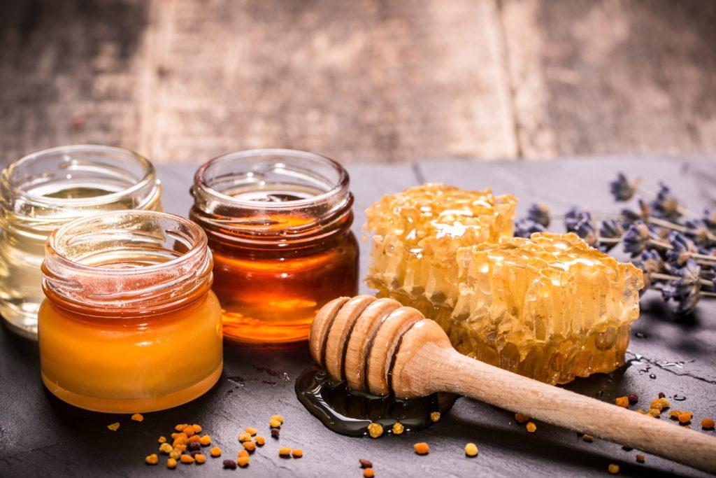 Мед при простатите: полезные свойства, рецепты, способ применения