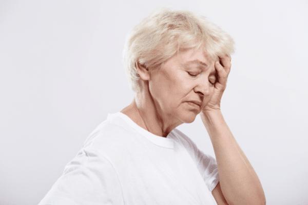 Тошнота и боль в затылке: причины, что это может быть
