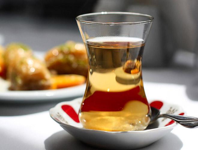 Может ли быть изжога после употребления чая: причины и как избежать