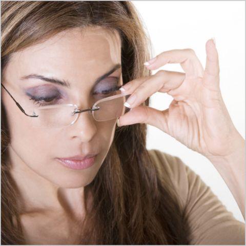 очки корректируют симптом, а не лечат болезнь глаз