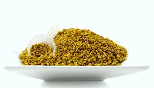 цветочная пыльца в тарелке. лечение пыльцой
