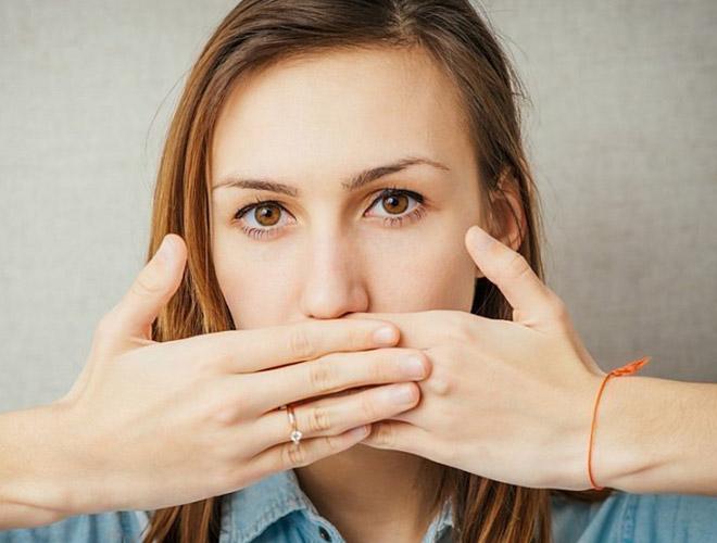 Тяжесть и боль в желудке, тошнота и отрыжка - причины дискомфорта