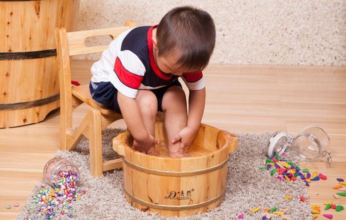 Фото: профилактика ног у детей от неприятного запаха
